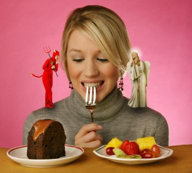 Mindful Eating: how to avoid the binge with a cringe